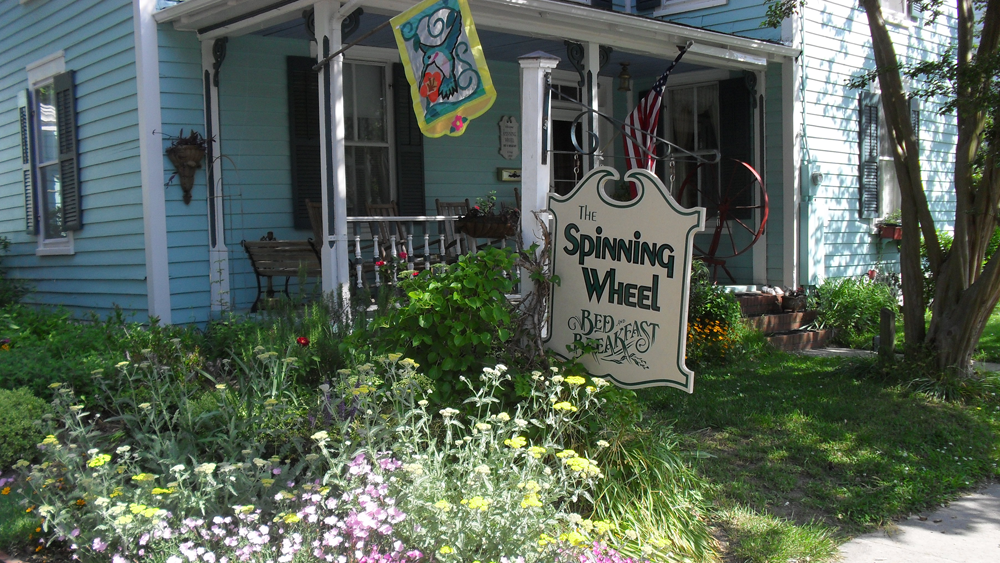 1890s spinning wheel bed and breakfast